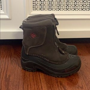 Little Boys Columbia Snowboots Size 1 with zipper